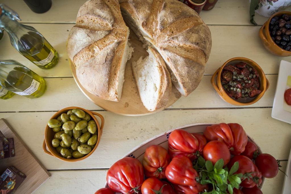 <b>gourmet-la-caletta-hotel-bolognese4</b>