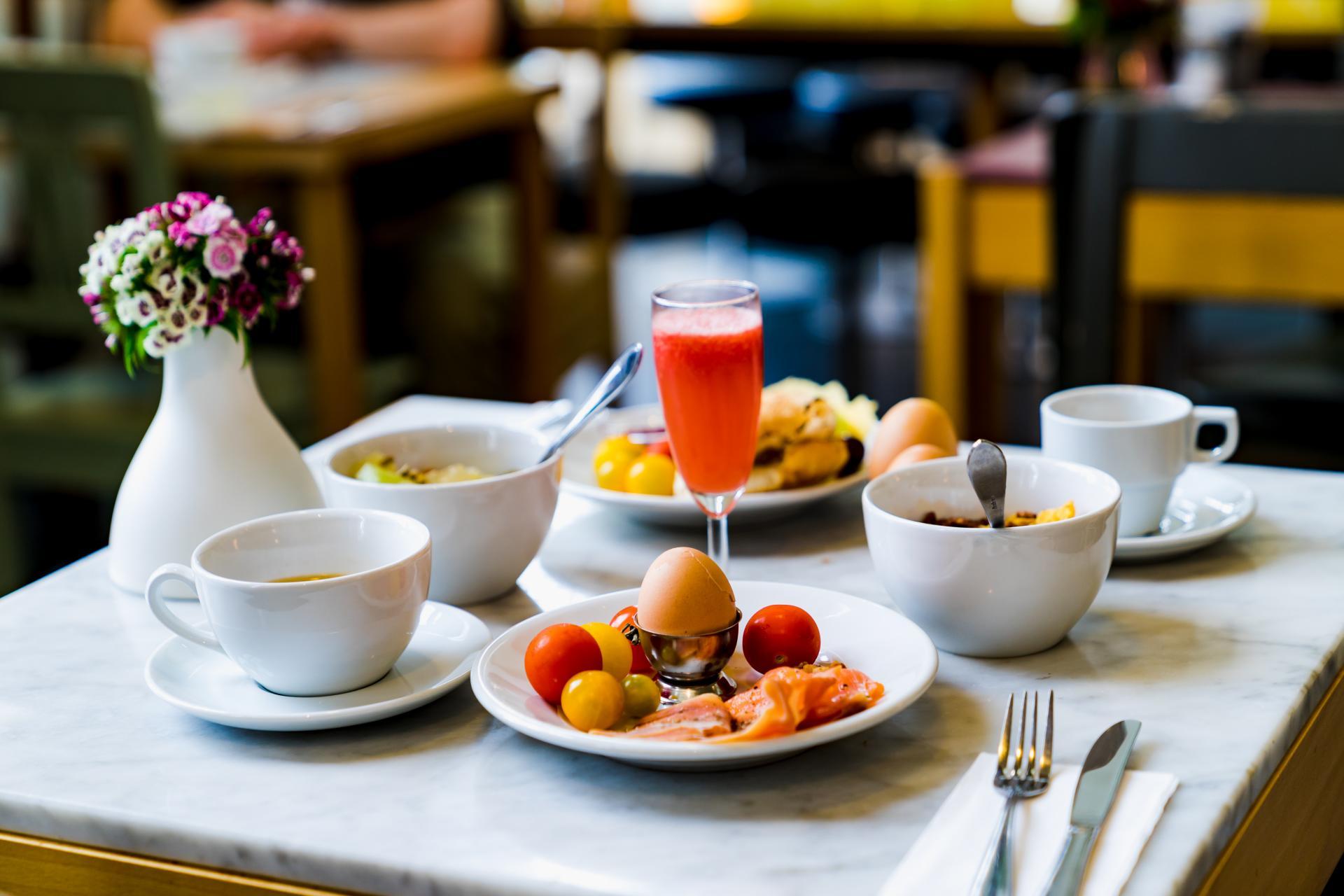 colazione all'italiana_hotel bolognese la caletta.jpg